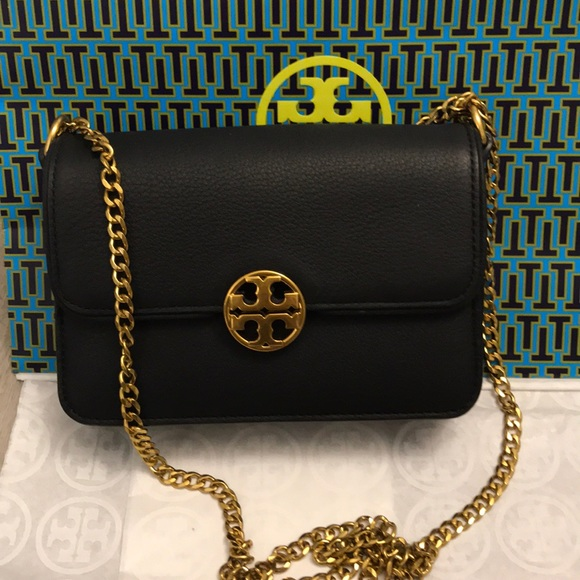 363361135ab TORY BURCH Chelsea mini cross-body bag. M 5a7e62406bf5a6880f2c409a